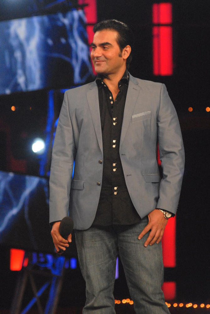 Arbaaz Photo Clicked On Bigg Boss While Promotes Dabangg 2