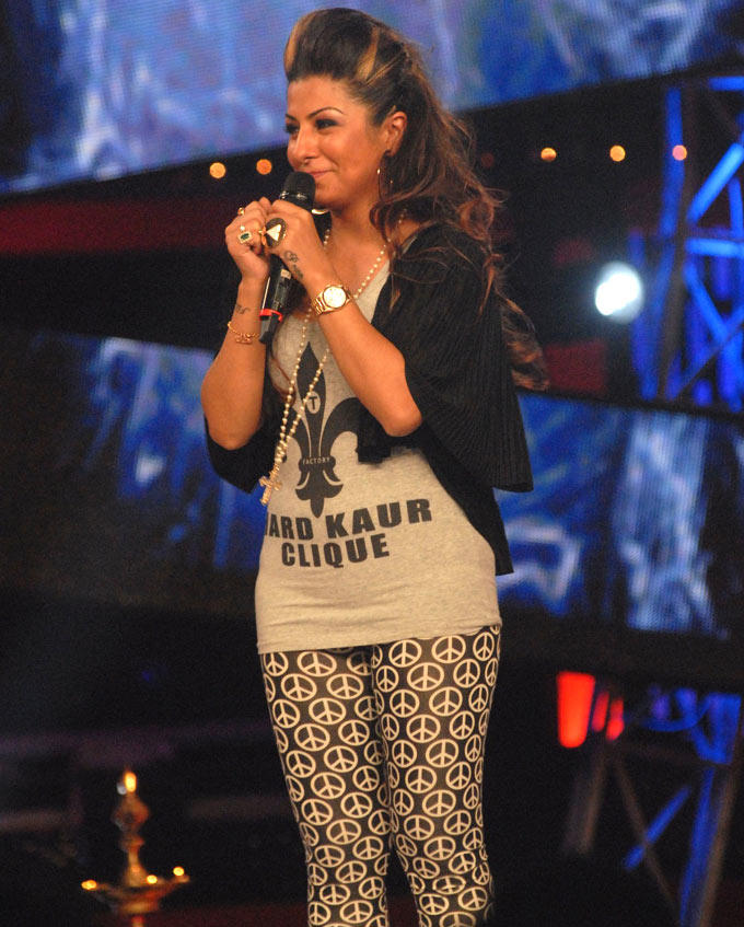 Rapper Hard Kaur Made A Special Appearance On Bigg Boss 6 Set