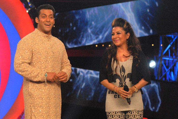 Salman And Hard Smiling Face Look Still On Bigg Boss 6 Set