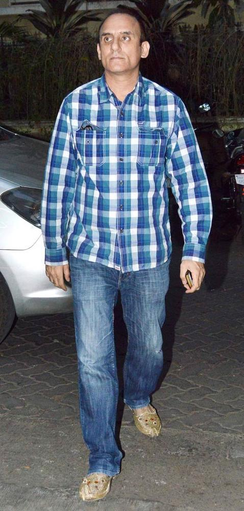 A Bollywood Celeb Spotted At Son Of Sardaar Screening