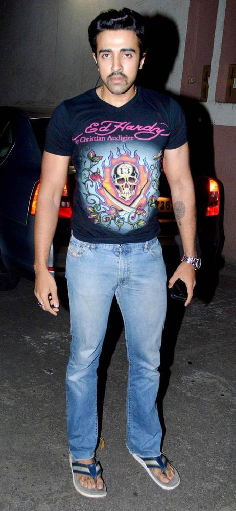 A Celeb Posed For Camera At Son Of Sardaar Screening