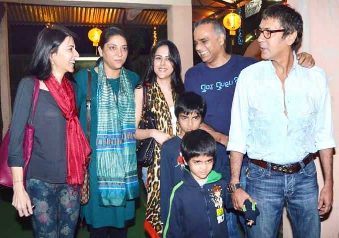 Namrata,Priya,Kumar And Saachi Arrived At Son Of Sardaar Screening