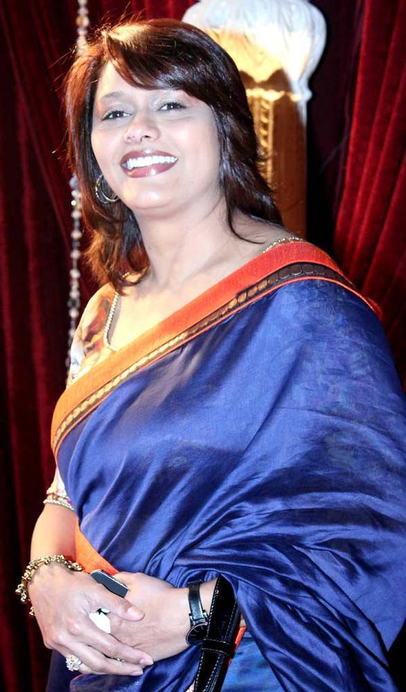 Pallavi Smiling Face Look Still At The Zee Risthey Awards