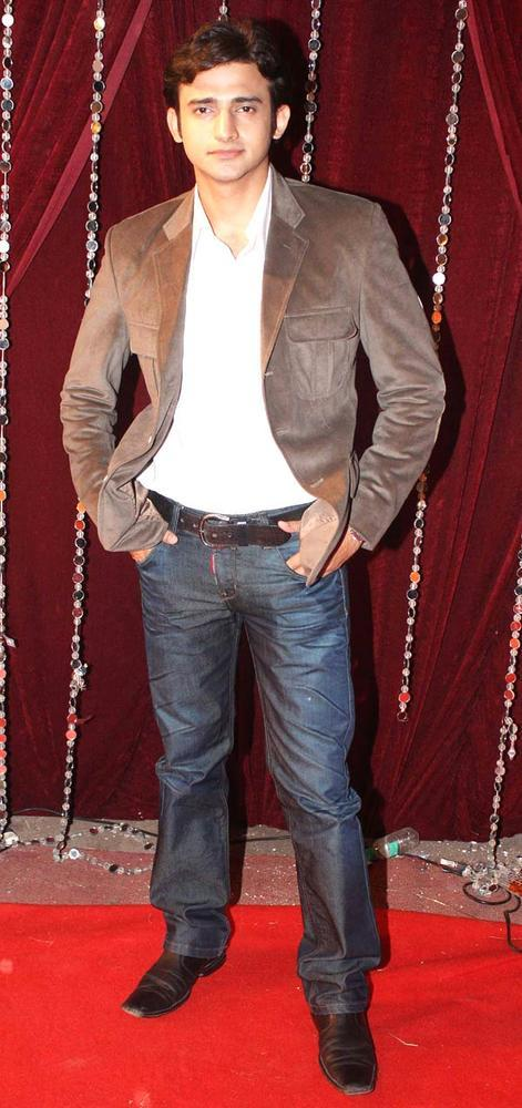 Romit Raaj Spotted On Red Carpet At The Zee Risthey Awards
