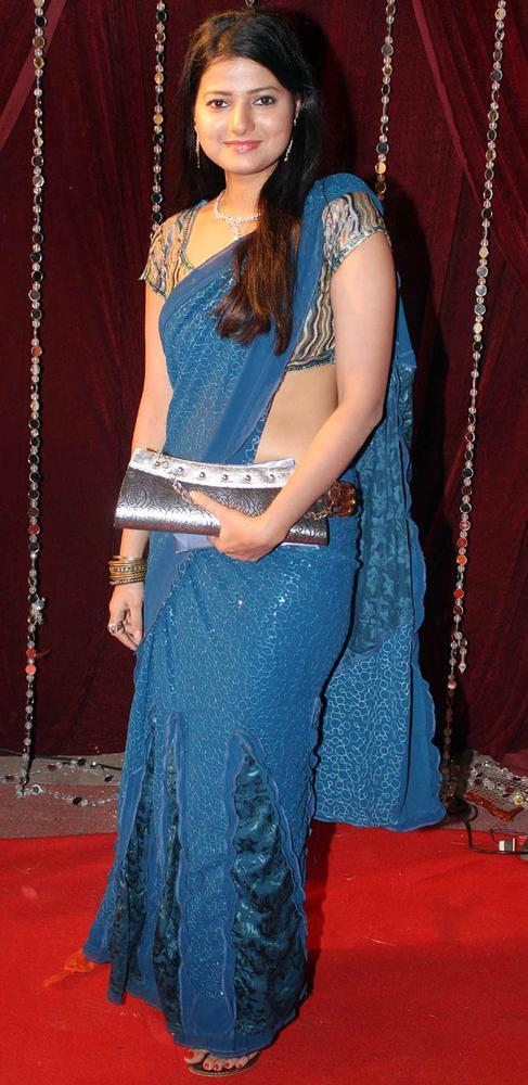 A Telly Stars Charming Look Still At The Zee Risthey Awards