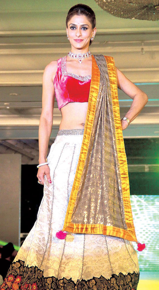 Shilpa Saklani Looks Graceful In A Lehenga On The Ramp