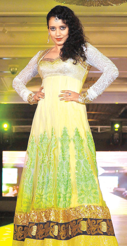 Shreya Trendy Looking Photo Clicked On The Ramp