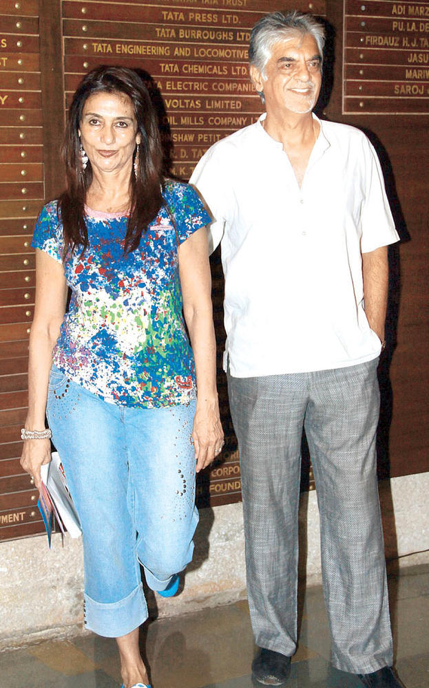 Esther With Hubby Raju Spotted At Raell Padamsee's Play In Mumbai