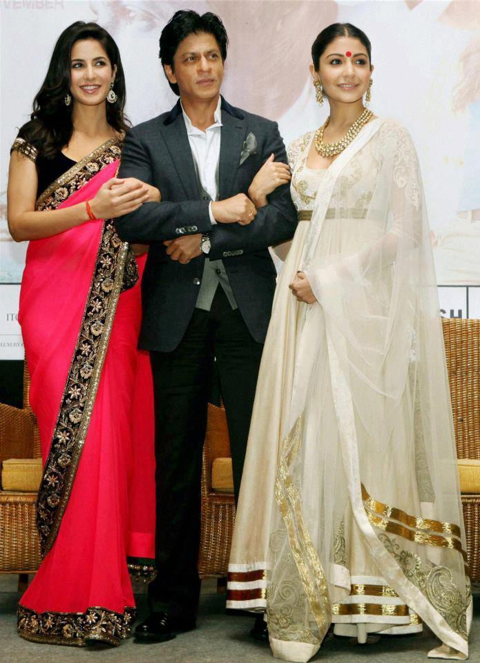 Katrina,Shahrukh And Anushka Posed For Camera AT The 18th Kolkata International Film Festival