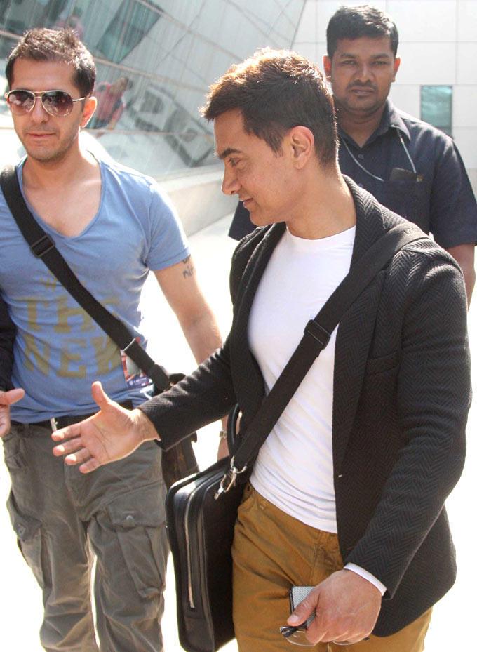 Aamir Khan Side Face Look At The Mumbai Airport