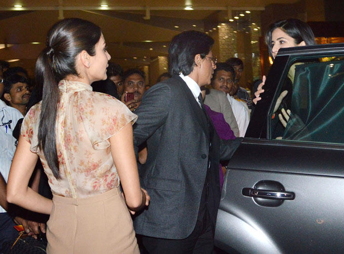 Shahrukh,Katrina And Anushka At The Mumbai Airport