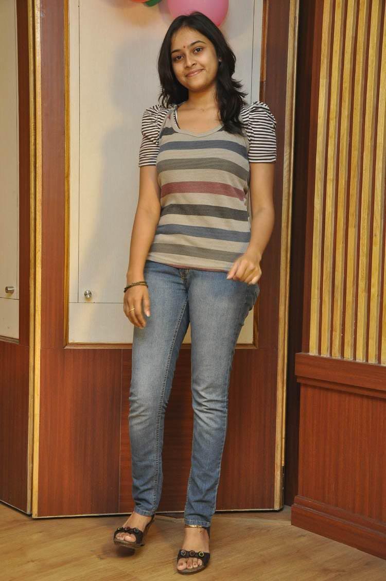Sri Divya Glamour Look Still