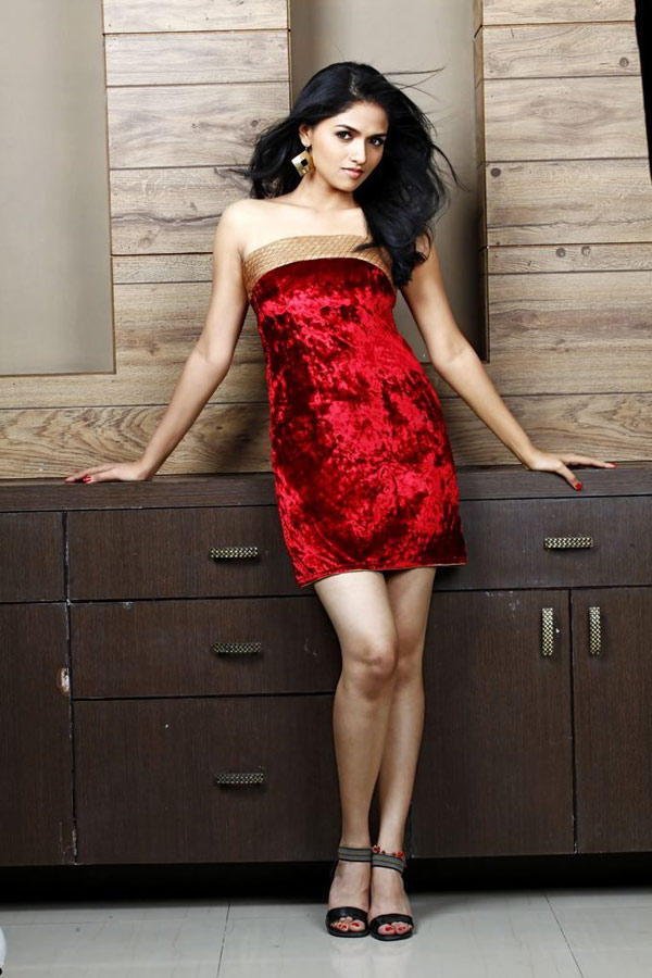 Sunaina In Red Strapless Dress Sexy Look Still