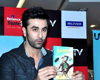 Ranbir With Barfi DVD Posed For Camera At Barfi Dvd Launch