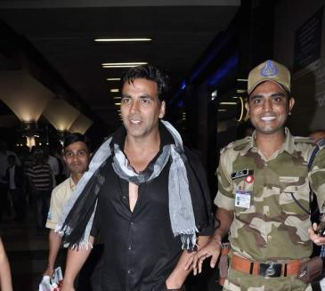 Akshay Kumar Glamorous Look Photo At The Mumbai International Airport