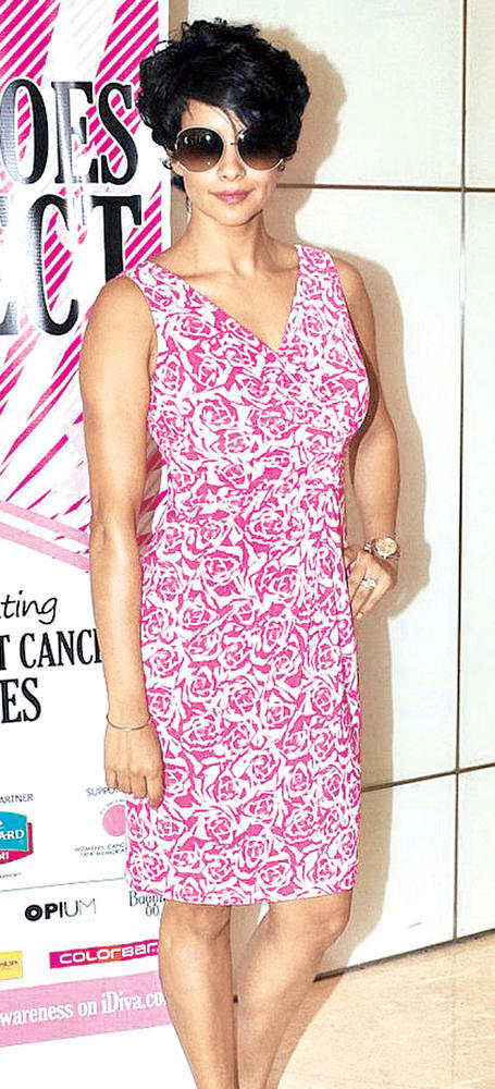 Gul Panag Looks Pretty And Charming In Pink At Breast Cancer Awareness Programme