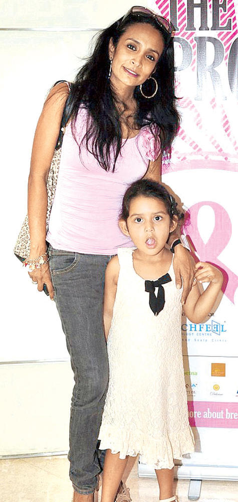 Suchitra With Her Daughter Spotted At Breast Cancer Awareness Programme