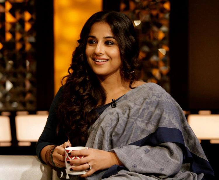 Vidya Completed Her Look With Flowing Hair At The Front Row Show With Anupama Chopra