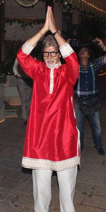 Amitabh Bachchan Greets His Fans At His Diwali Bash