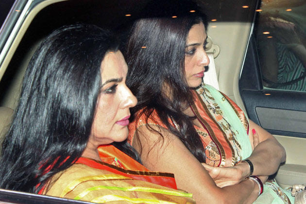 Amrita With Tabu Snapped At Big B's Diwali Bash