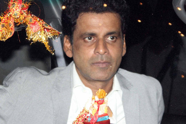 Manoj Bajpai Attend At Big B's Diwali Bash