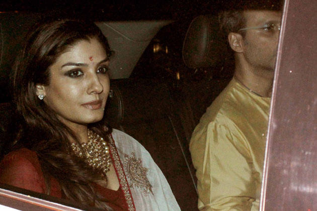 Raveena Tandon Gorgeous Look At Big B's Diwali Bash