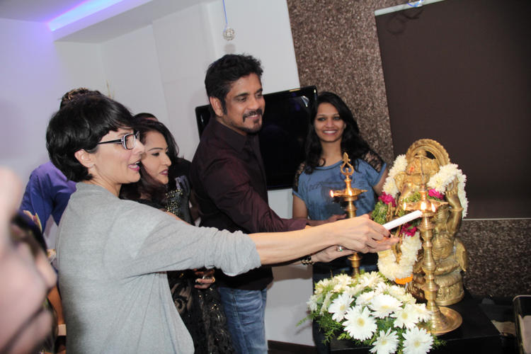 Nagarjuna And Adhuna Light Up The Candle At B-Blunt Salon Launch