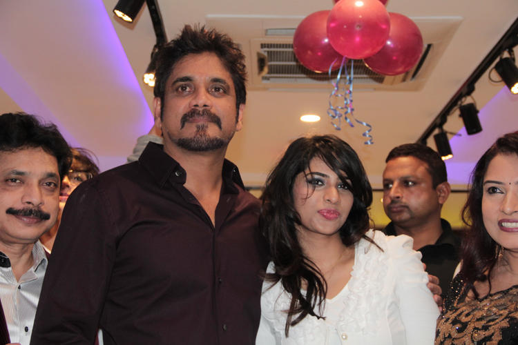 Nagarjuna Glamour Still At B-Blunt Salon Launch