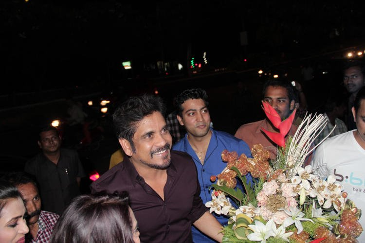 Nagarjuna Smiled At B-Blunt Salon Launch