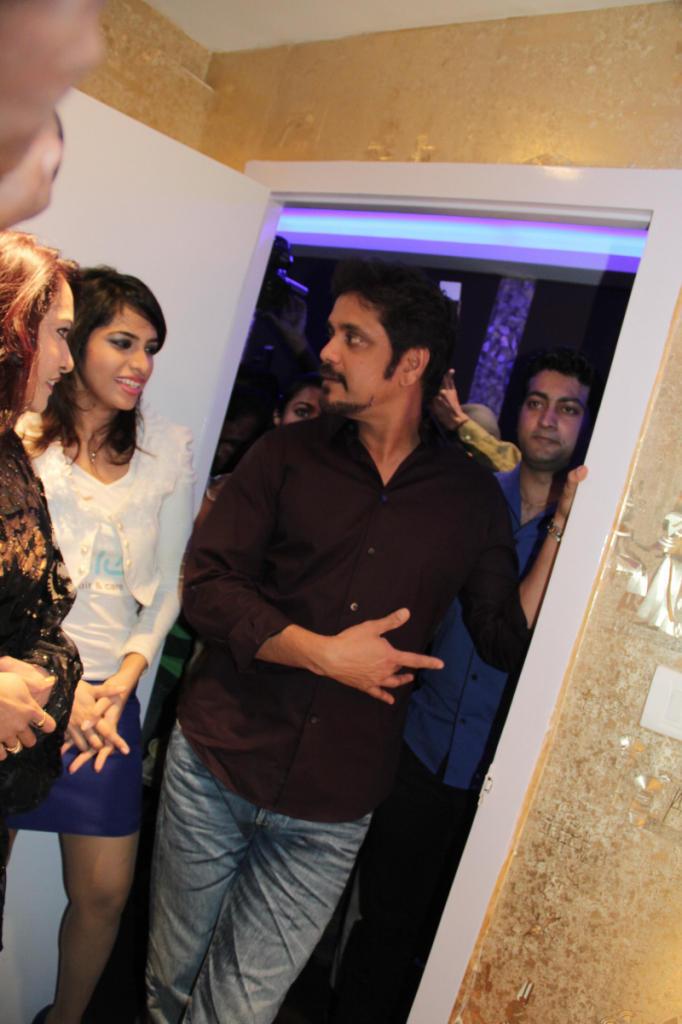 Nagarjuna Spotted At B-Blunt Salon Launch