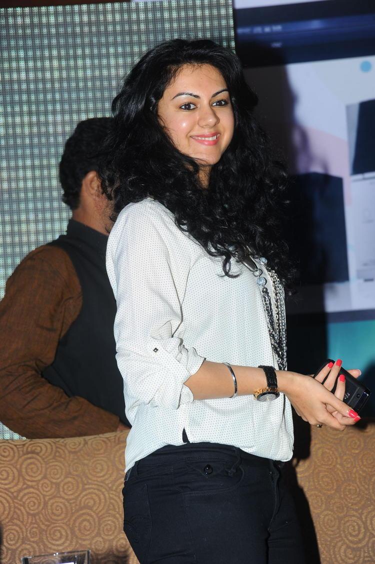 Kamna Jethmalani Curly Hair Nice Still