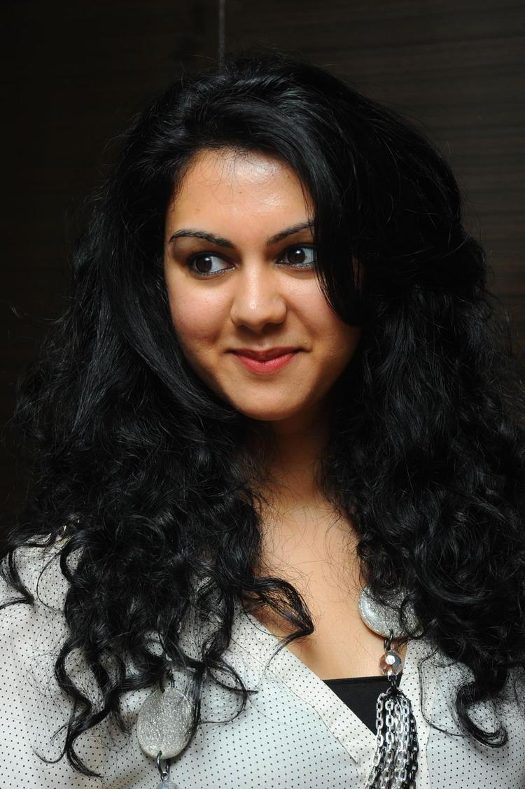 Kamna Jethmalani Dazzling Face Look Still