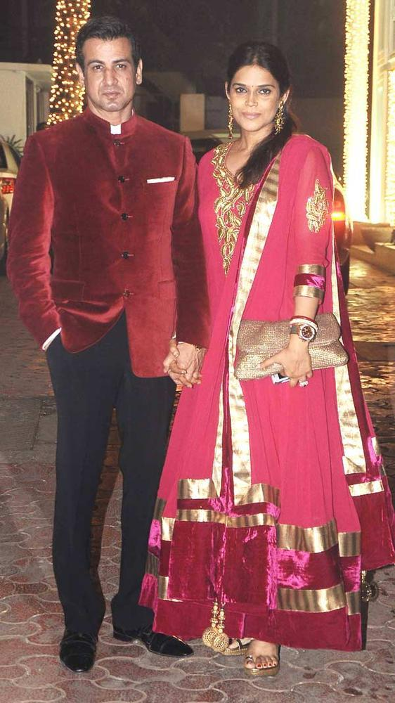 Ronit With Wife Neelam Attend Shilpa Shetty Diwali Bash