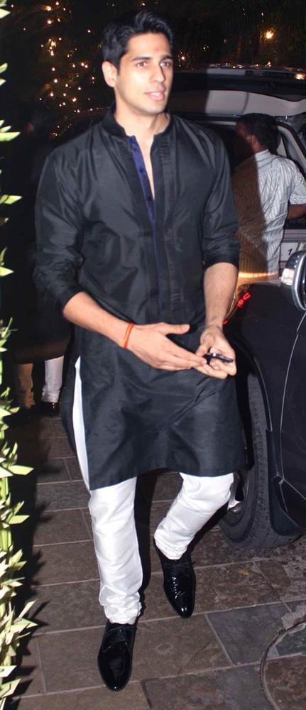 Siddharth Malhotra Spotted At Shilpa Shetty Diwali Bash