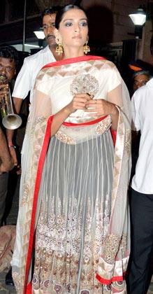 Sonam Kapoor Celebrates Diwali In Mumbai