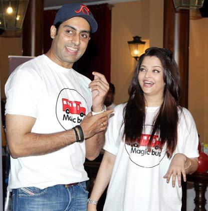 Abhishek With Wife Aishwarya Posed For Camera At Magic Bus Event On Children's Day