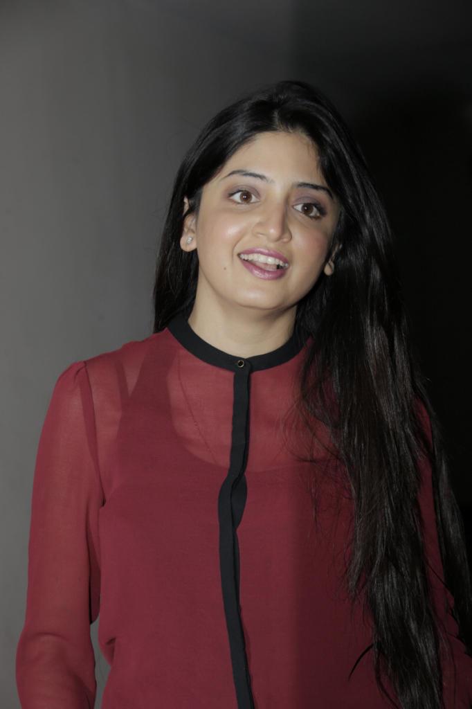 Poonam Kaur Stunning Face Look Still