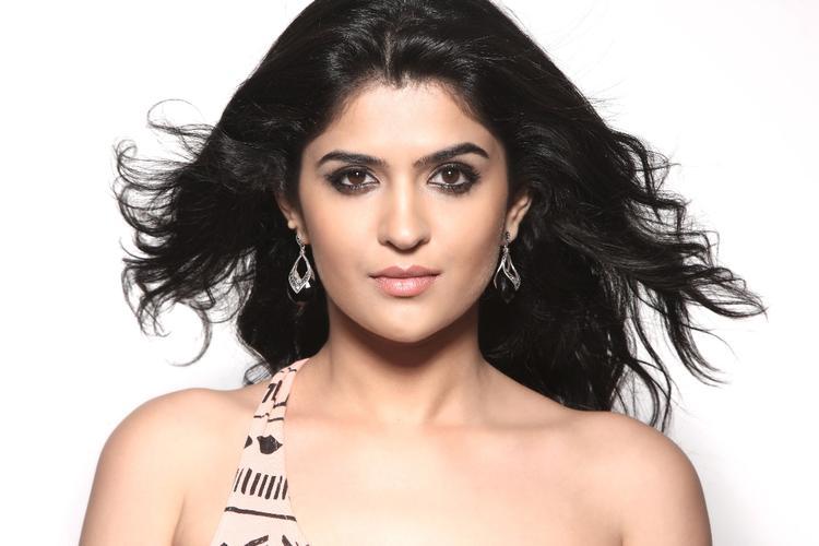 Deeksha Completed Her Look With Flowing Hair Still