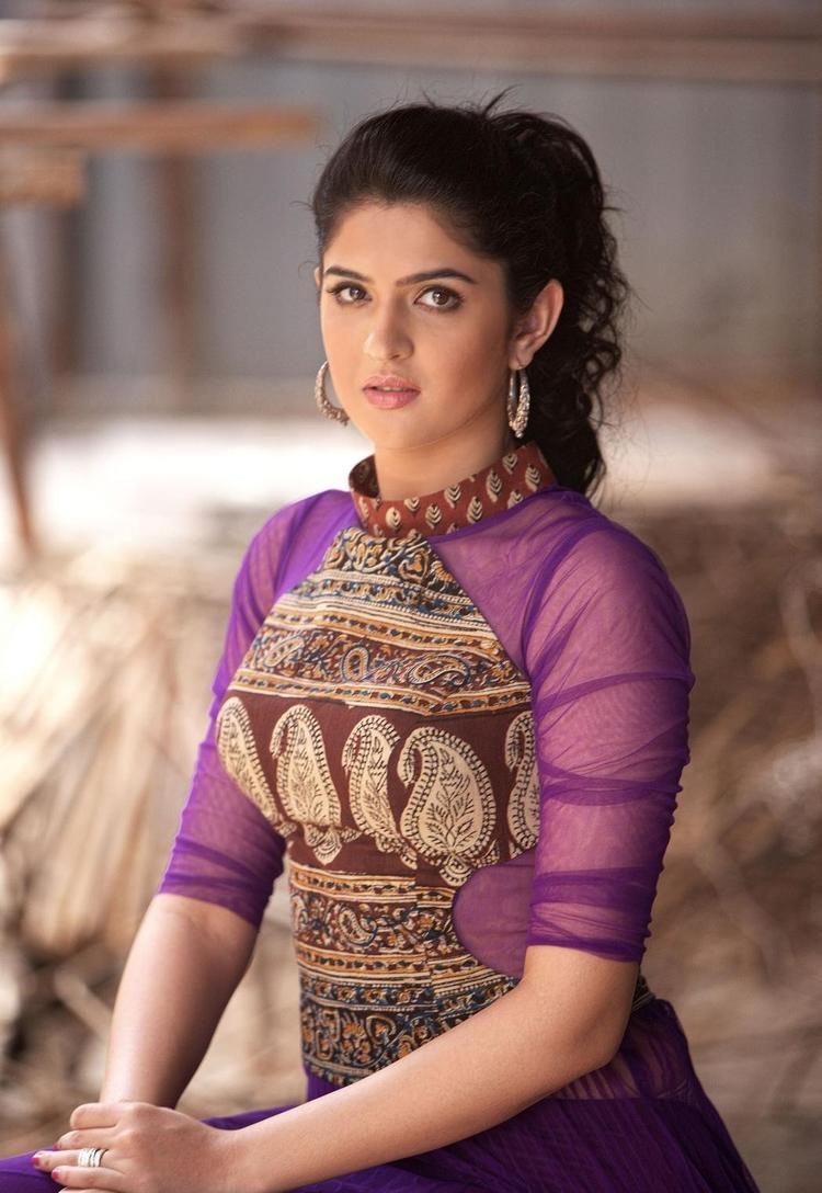 Deeksha Trendy Looking Photo Still