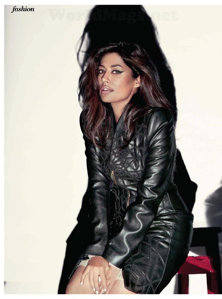 Chitrangada Sexy Look With Flowing Hair Still For Cosmopolitan India November 2012