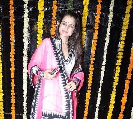 Ameesha In Traditional White ChudidarN At Diwali Bash Of Ekta Kapoor