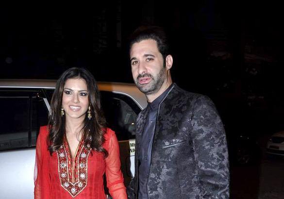 Sunny With Her Hubby Daniel Arrived To Grace Ekta Kapoor Diwali Bash