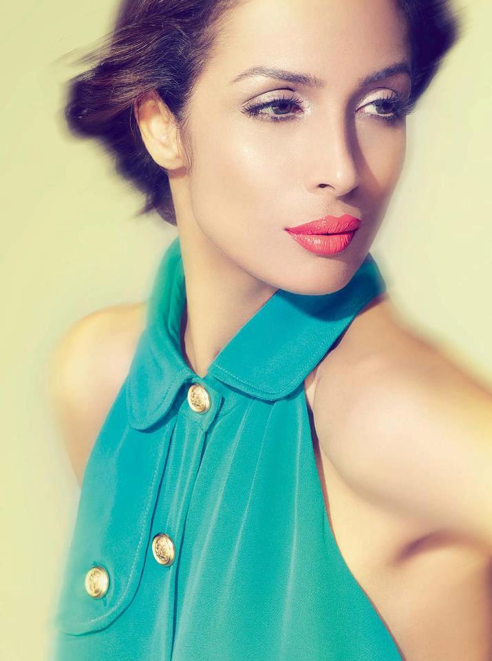 Malaika Hot And Sexy Expression Photo Shoot For Cosmopolitan India November 2012