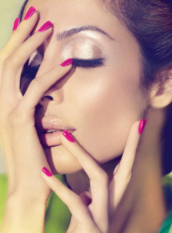 Malaika Sizzling And Dashing Photo Shoot For Cosmopolitan India November 2012