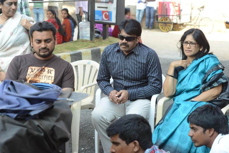 Karthik,Susheela And Chintalapudi Photo Clocked On Adda Movie Location