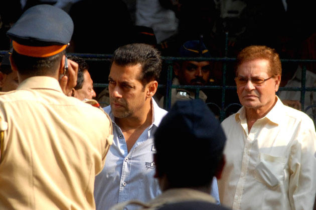 Salman And Dad Salim Meet Unwell Bal Thackeray At Matoshree