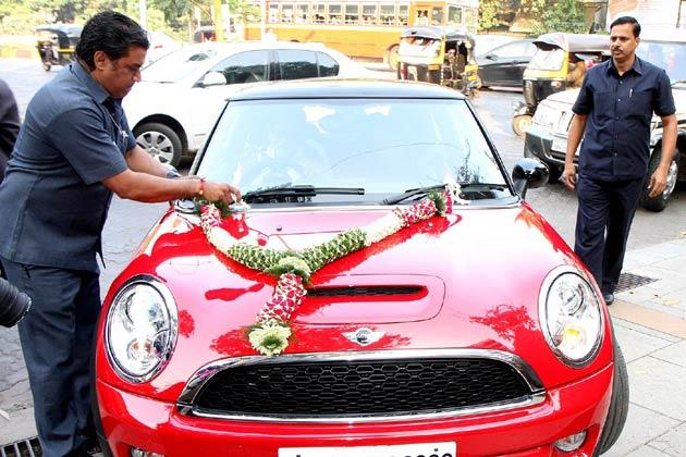 Awesome Photo Of The Red Cooper Car Which Was Gifted To Aaradhya