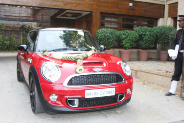 This Fabulous Red Cooper Car Gifted To Aaradhya By Big B On Her Birthday