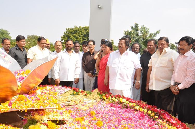 Dasari Narayana With Guest At Dasari Padma Memorial Event