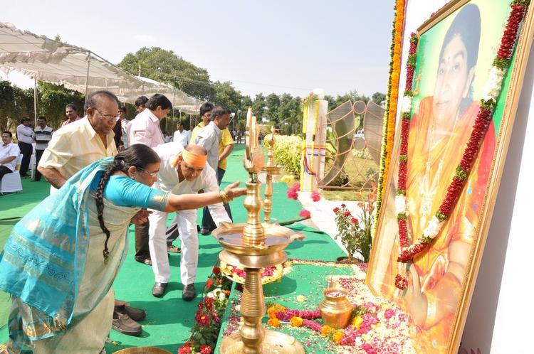 Guest Worship Photo At Dasari Padma Memorial Event